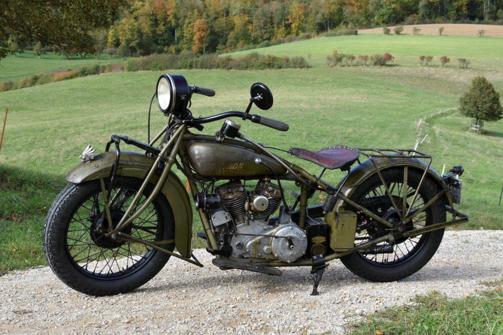 Olivgrüne 1929 Indian 101 Scout Oldtimer Motorrad Seitenansicht links
