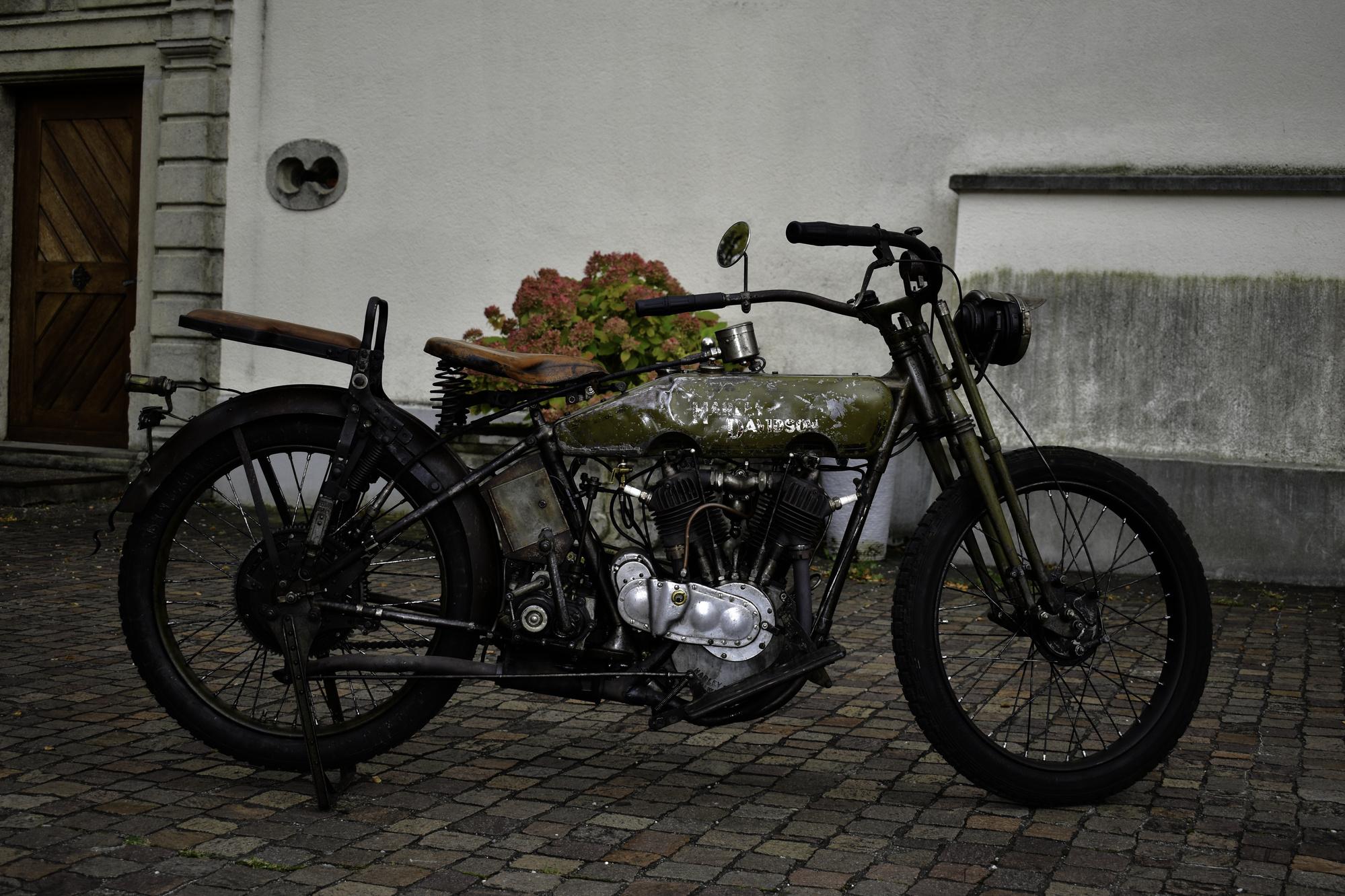 Auktion Versteigerung 1917 Harley-Davidson 17-F Seitenansicht
