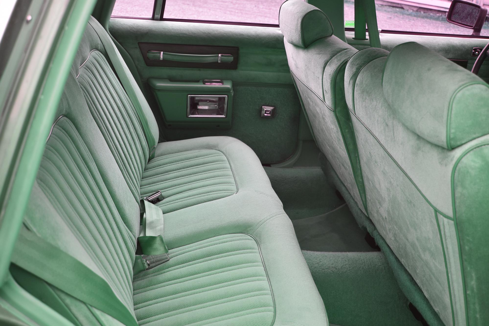 Zweite Sitzreihe eines 1990 Chevrolet Caprice Classic Station Wagon