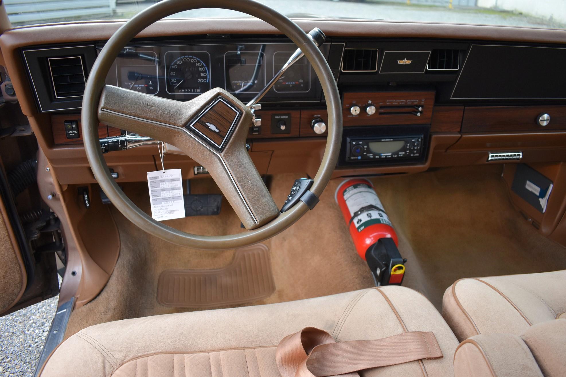 Armaturen eines 1990 Chevrolet Caprice Classic Station Wagon