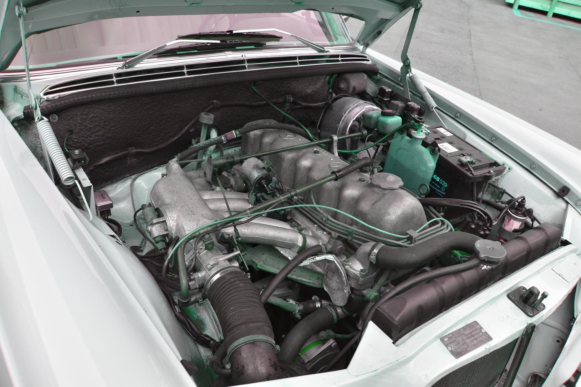 Sechszylinder-Motor eines Mercedes-Benz 250 SE aus 1966