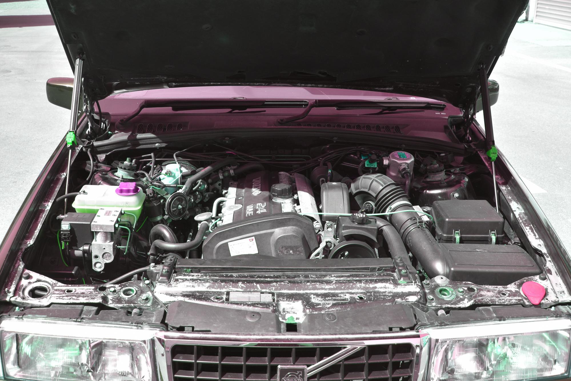 3-Liter V6 Motor einer Volvo 960 Stretch Limousine